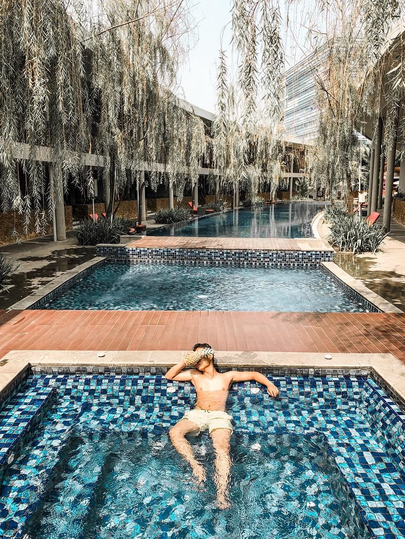 Swmming Pool Neo Green Savana Sentul City 2.JPG