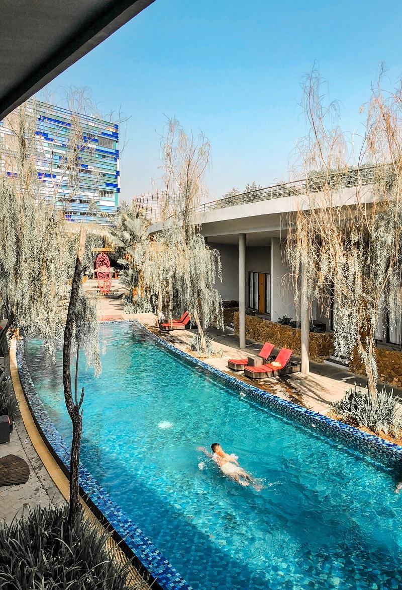 Swmming Pool Neo Green Savana Sentul City 3.jpeg