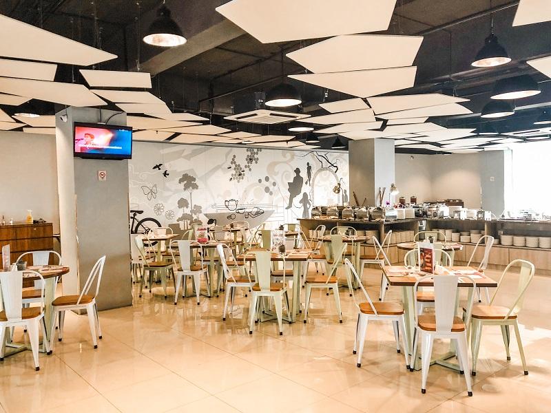 Lime Restaurant Fave Hotel Medan 6.jpeg