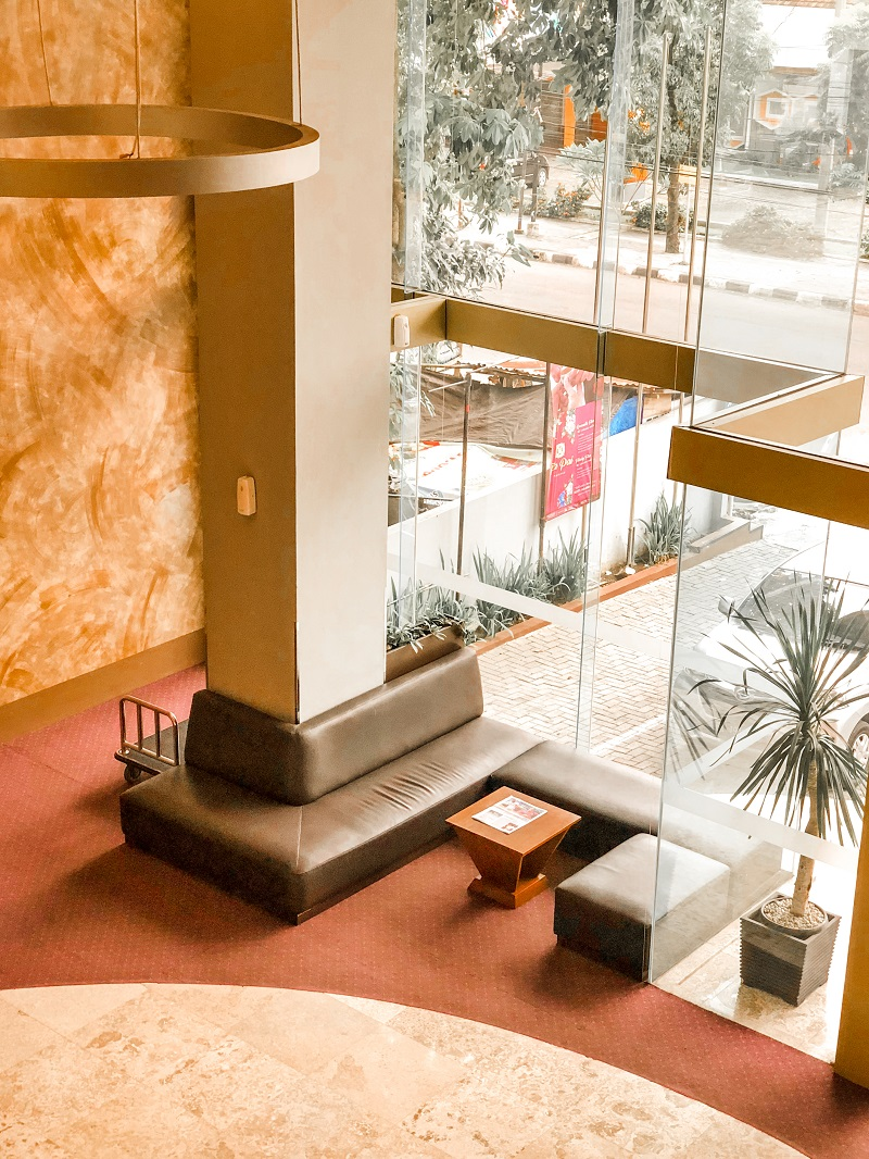 Lobby Fave Hotel Medan 3.jpeg