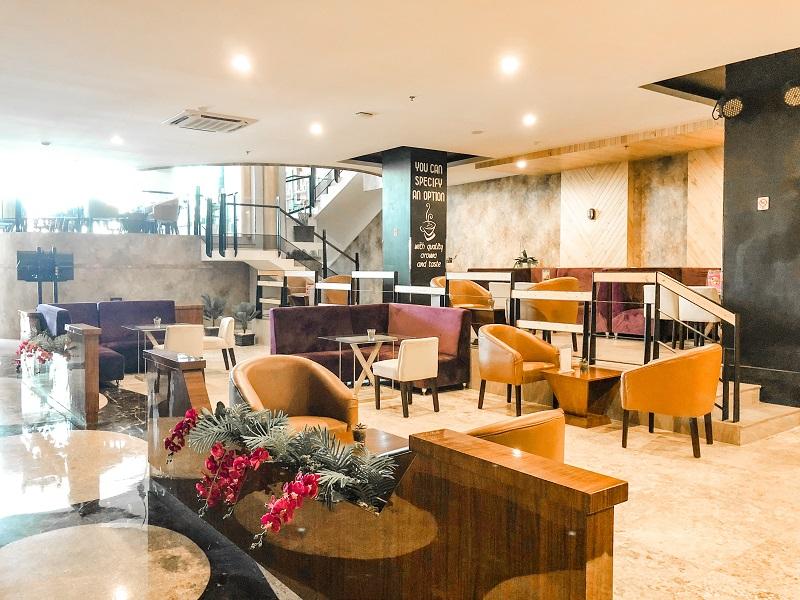 Lobby Fave Hotel Medan 5.jpeg