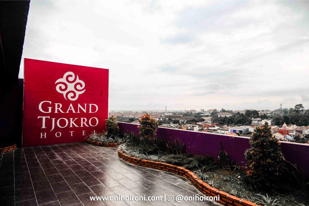 Rhino Sky Lounge Grand Tjokro Yogyakarta.jpg