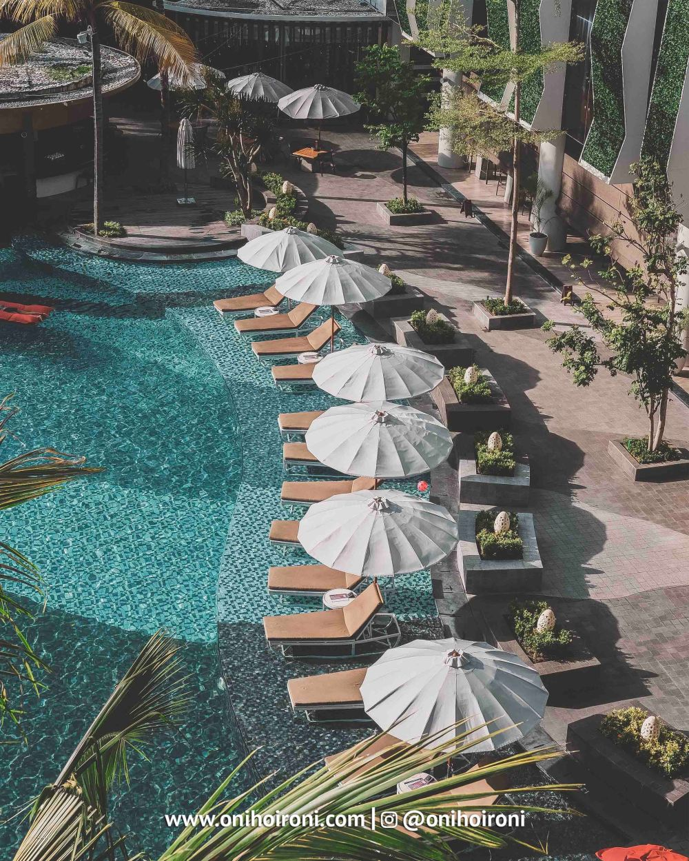 10 SWIMMING POOL The Stones Hotel Bali Legian oni hoironi
