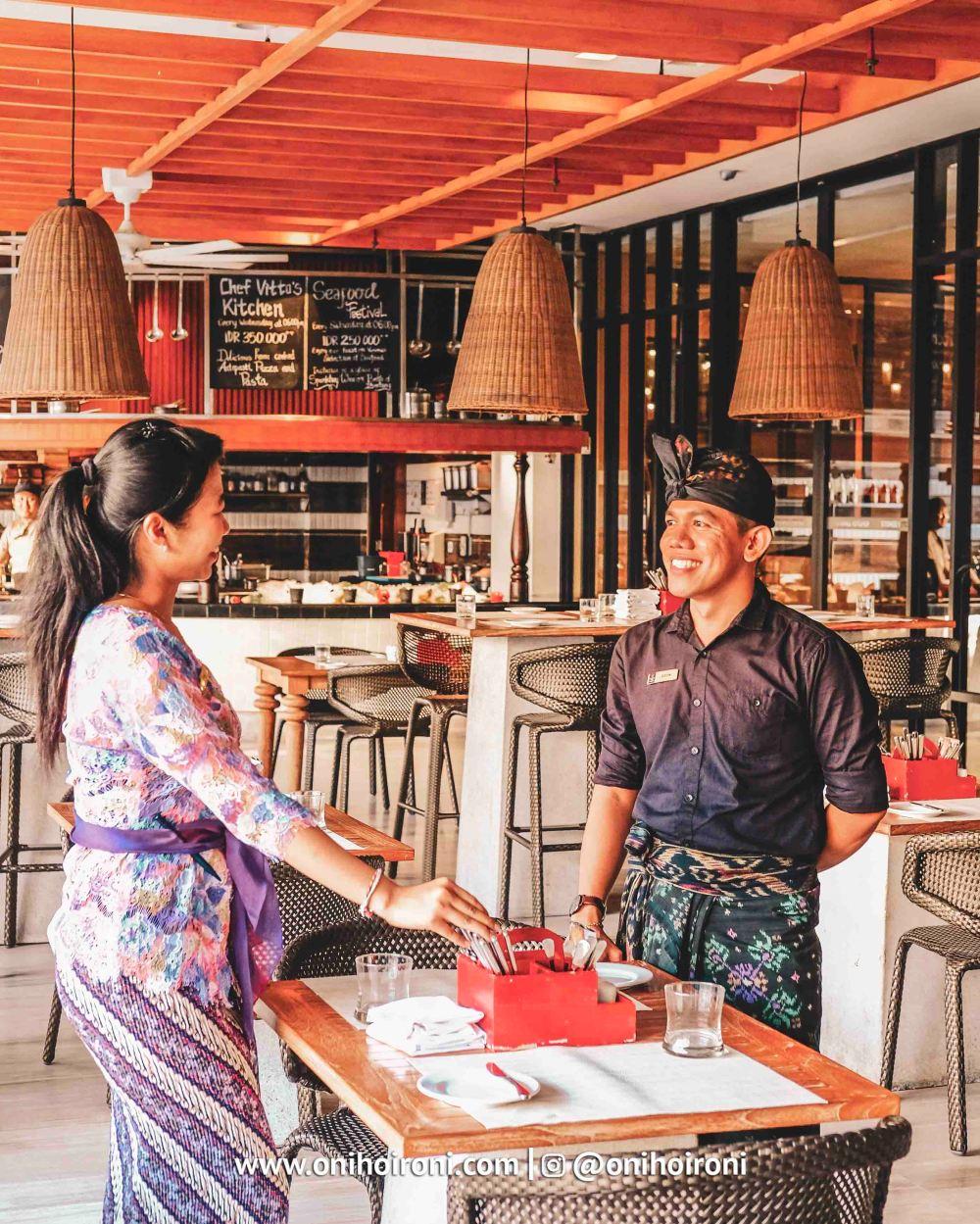 3 Restaurant The Stones Hotel Bali Legian