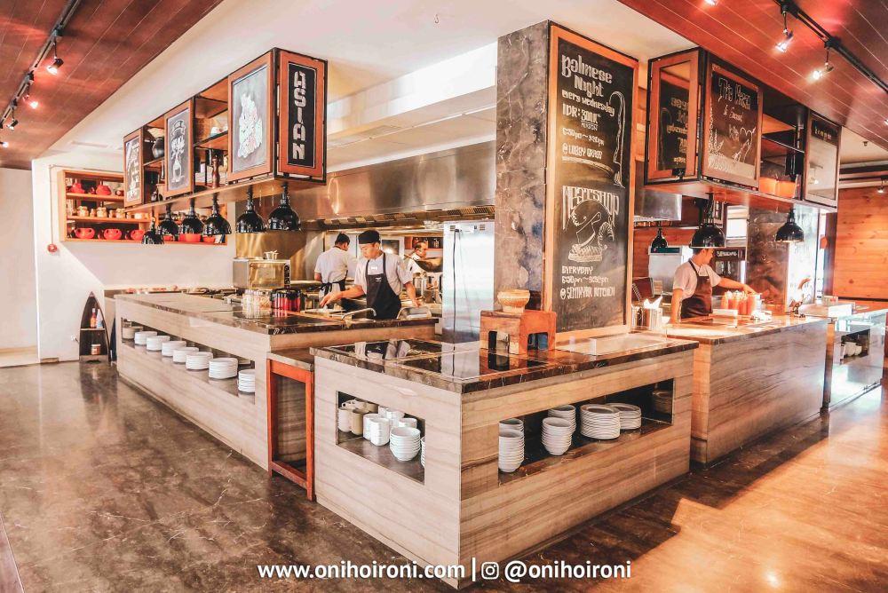 5 Seminyak Kitchen Courtyard Seminyak Bali