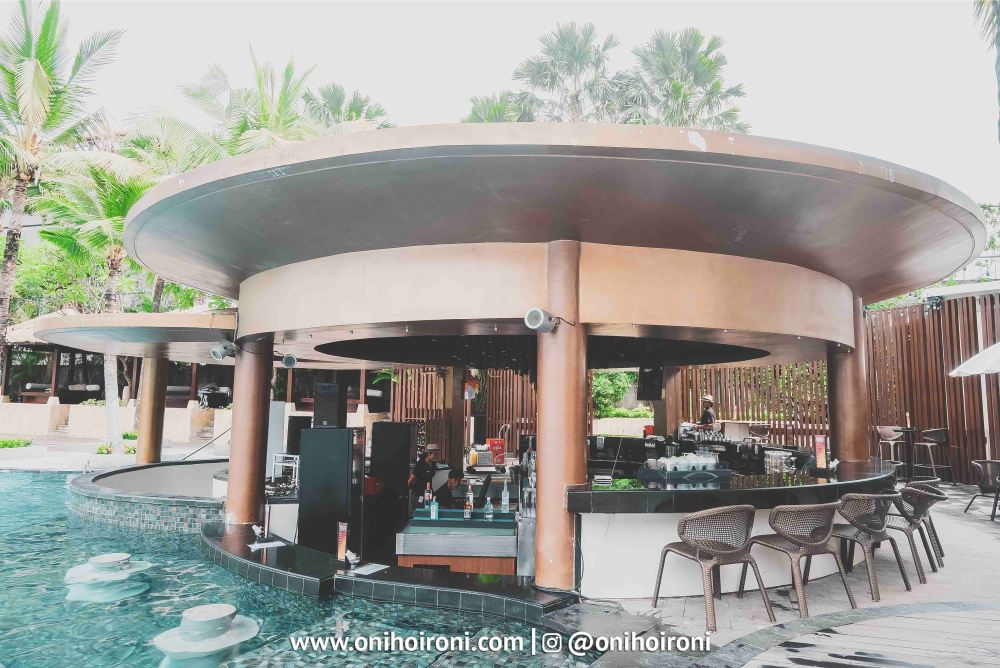 7 Pool Bar The Stones Hotel Bali Legian
