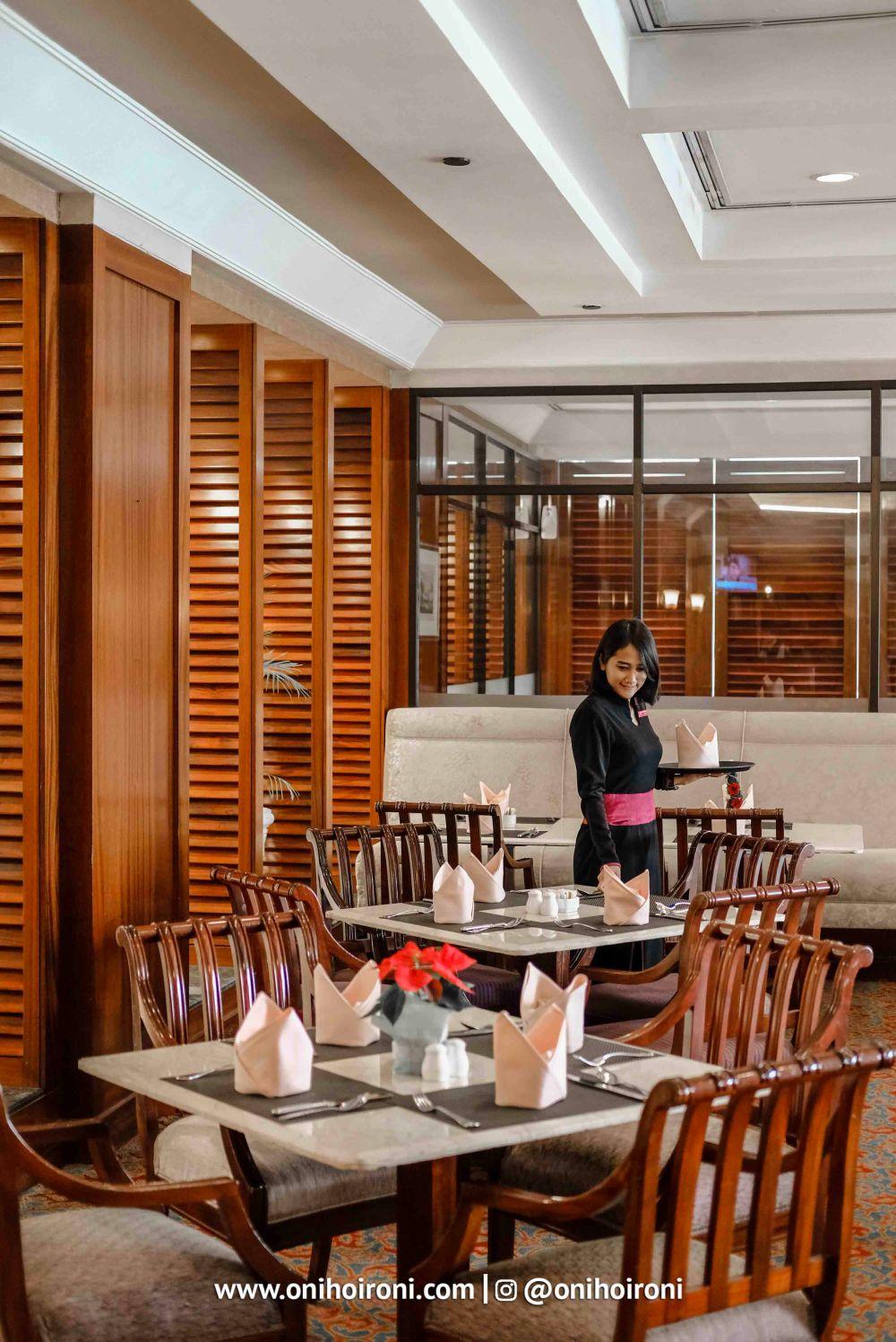 beranda cafe crowne plaza jakarta 2