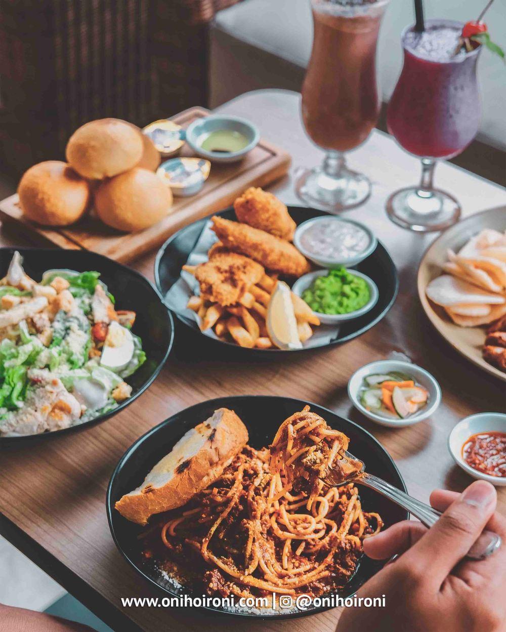 Food Seminyak Kitchen Courtyard Seminyak Bali