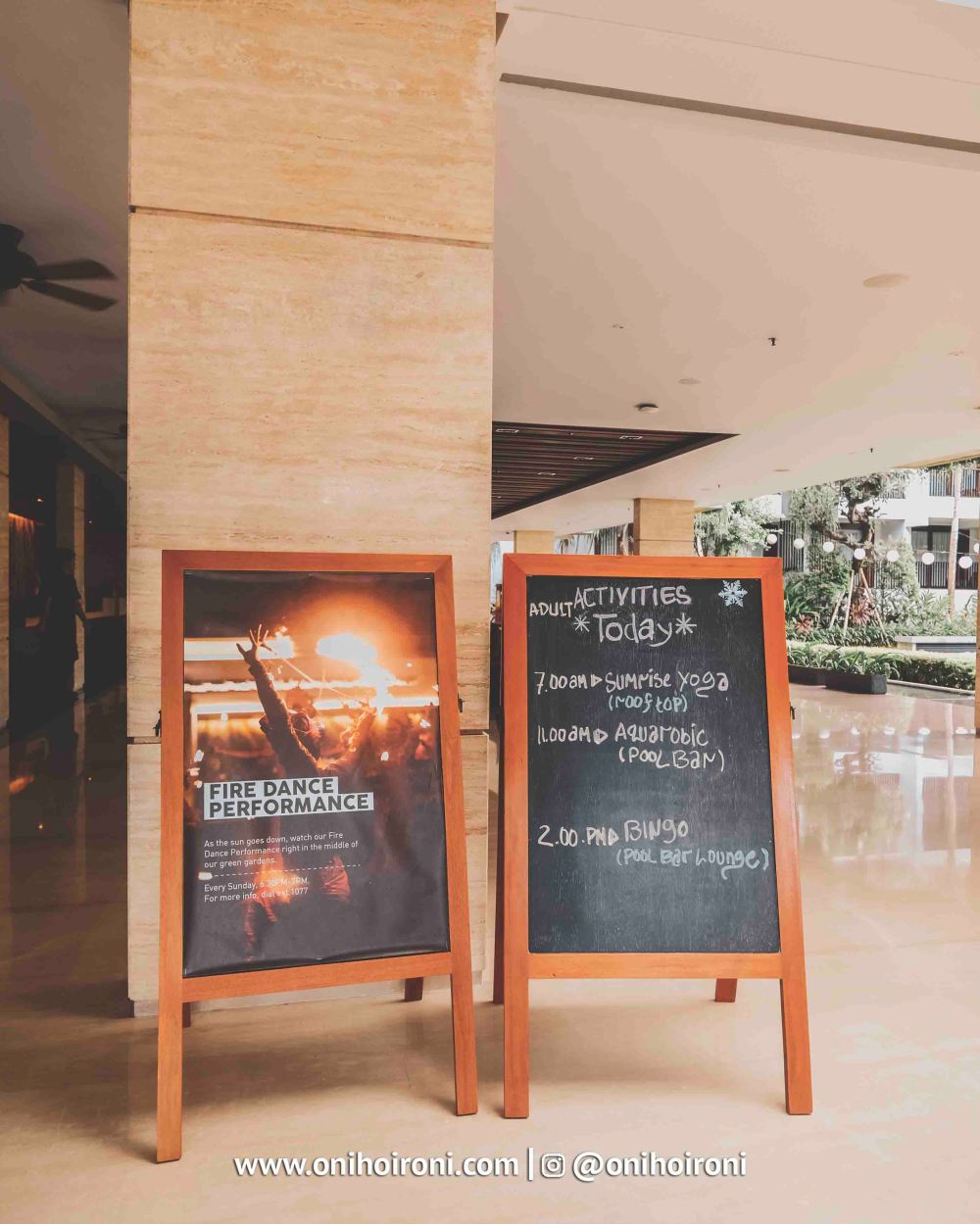Lobby Courtyard Seminyak Bali 2.jpg