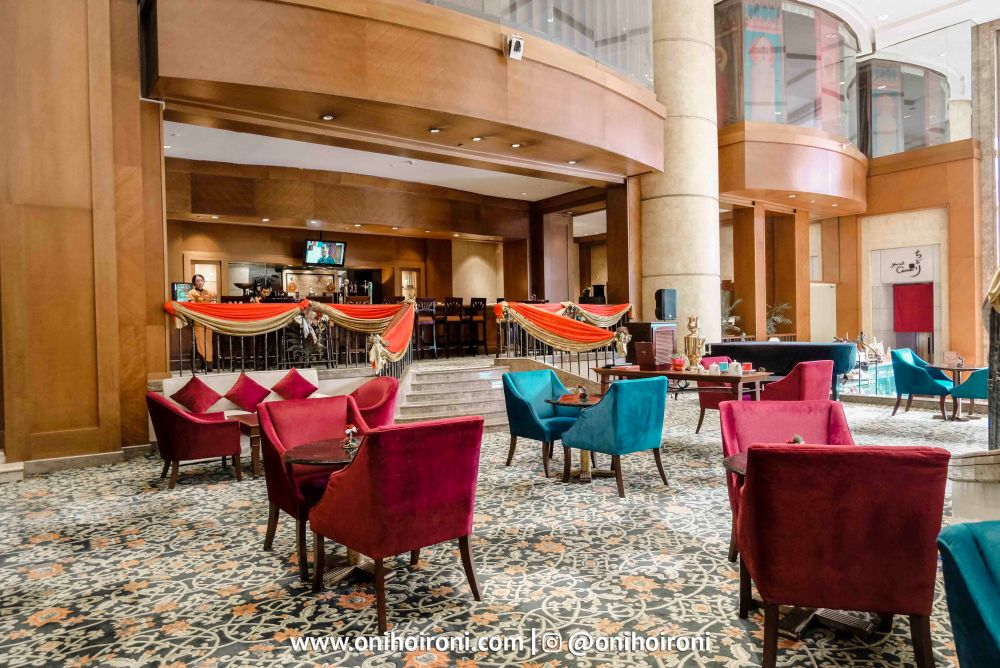 semanggi lounge crowne plaza jakarta 3