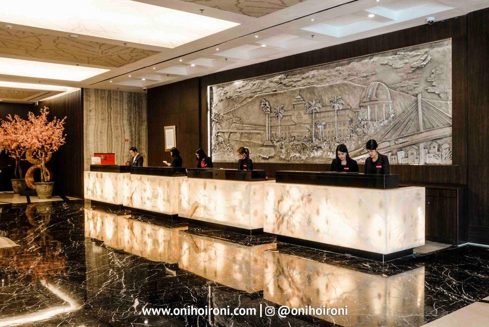 1 Lobby Crowne Plaza Bandung Oni Hoironi
