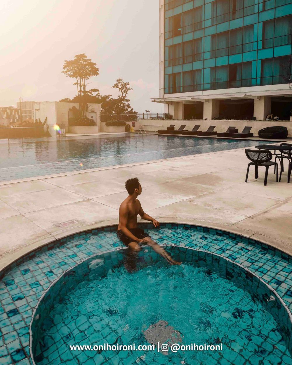1 Swimming Pool Crowne Plaza Bandung Oni Hoironi