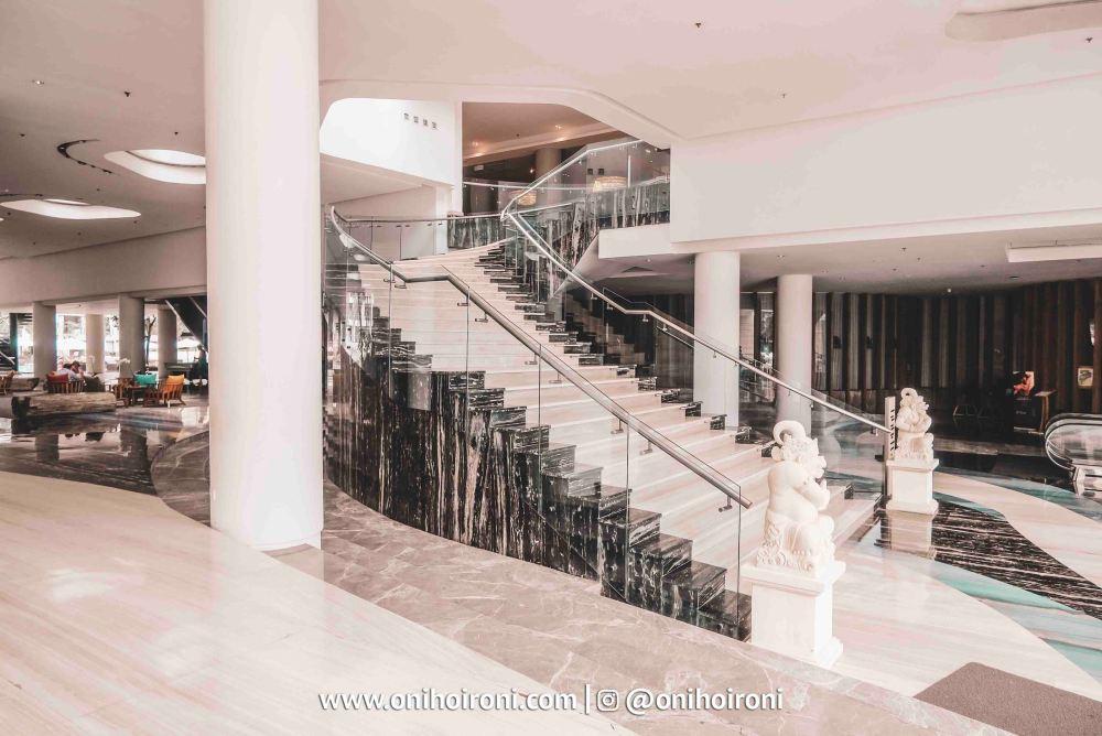 11 Lobby The Stones Hotel Legian Bali
