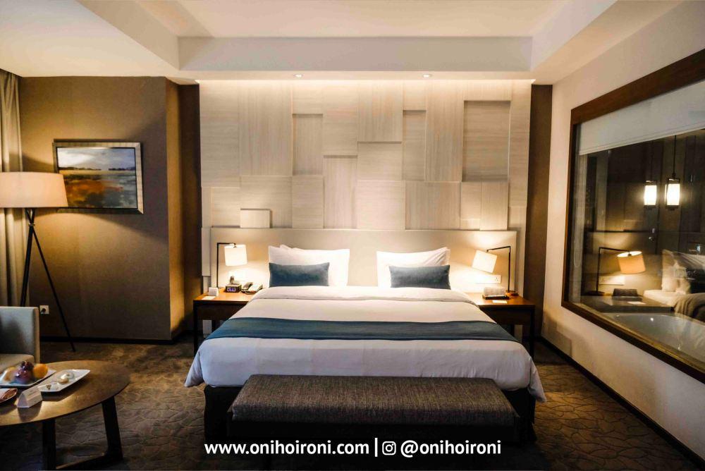 11 Room Crowne Plaza Bandung Oni Hoironi