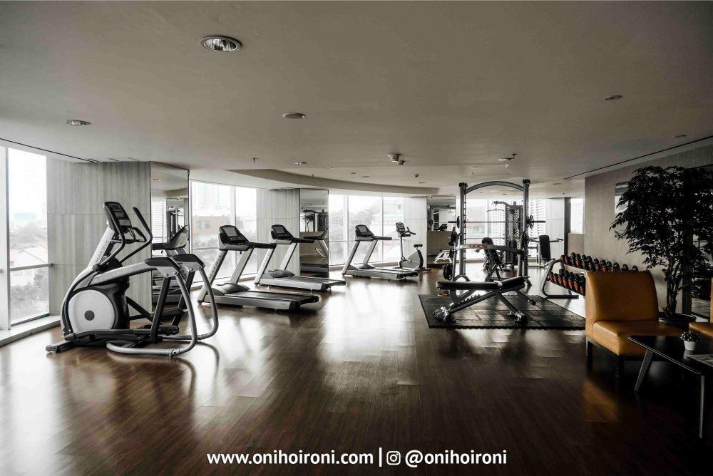2 Fitness Crowne Plaza Bandung Oni Hoironi