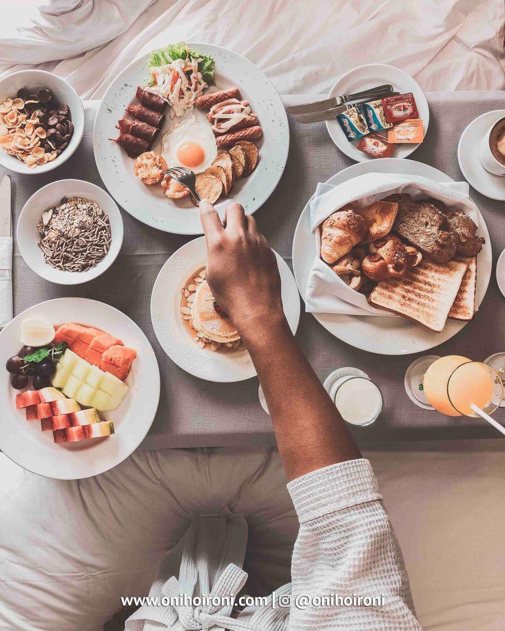 4 Breakfast Holiday Inn Pasteur Bandung Oni Hoironi