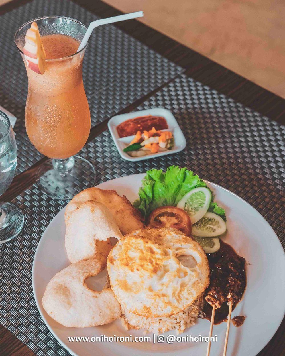 4 Food M One Hotel Sentul Bogor, Onihoironi