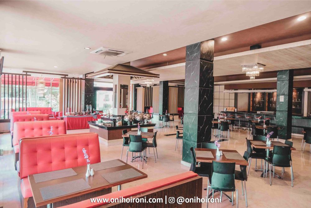 4 Jasmine Restaurant M One Hotel Sentul, Bogor
