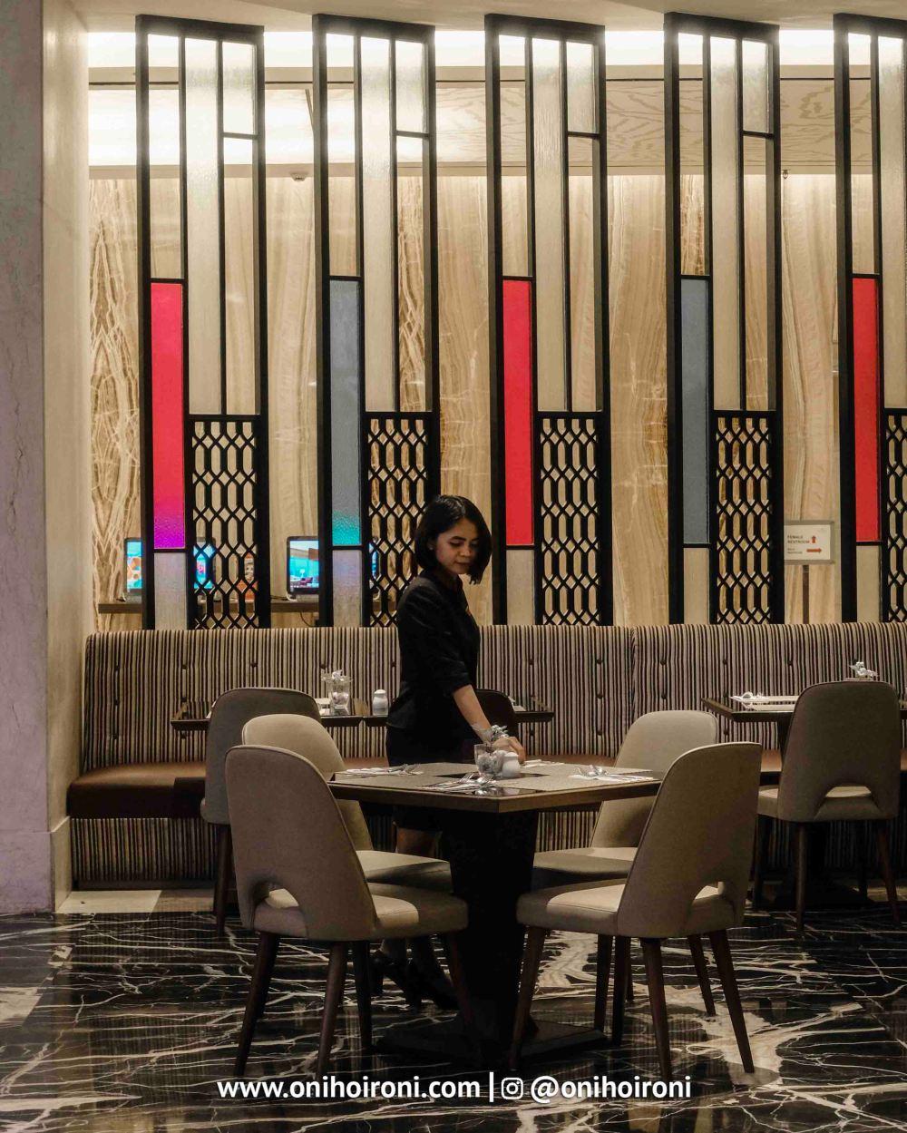 4 Mosaic all day dining Crowne Plaza Bandung Oni Hoironi