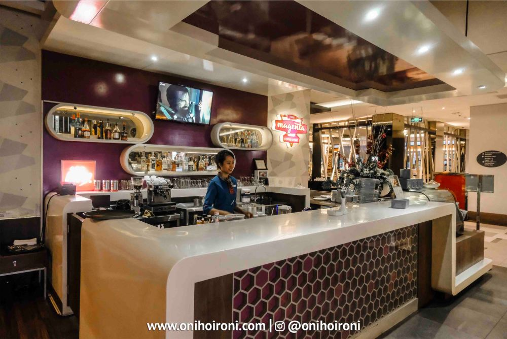 4 The Magenta Cafe & Wine Holiday Inn Pasteur Oni Hoironi