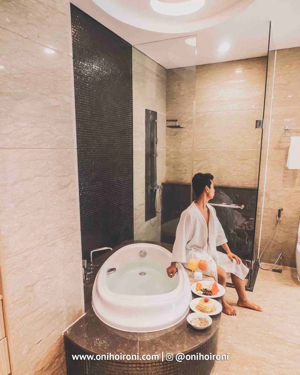 5 Breakfast Holiday Inn Pasteur Bandung Oni Hoironi