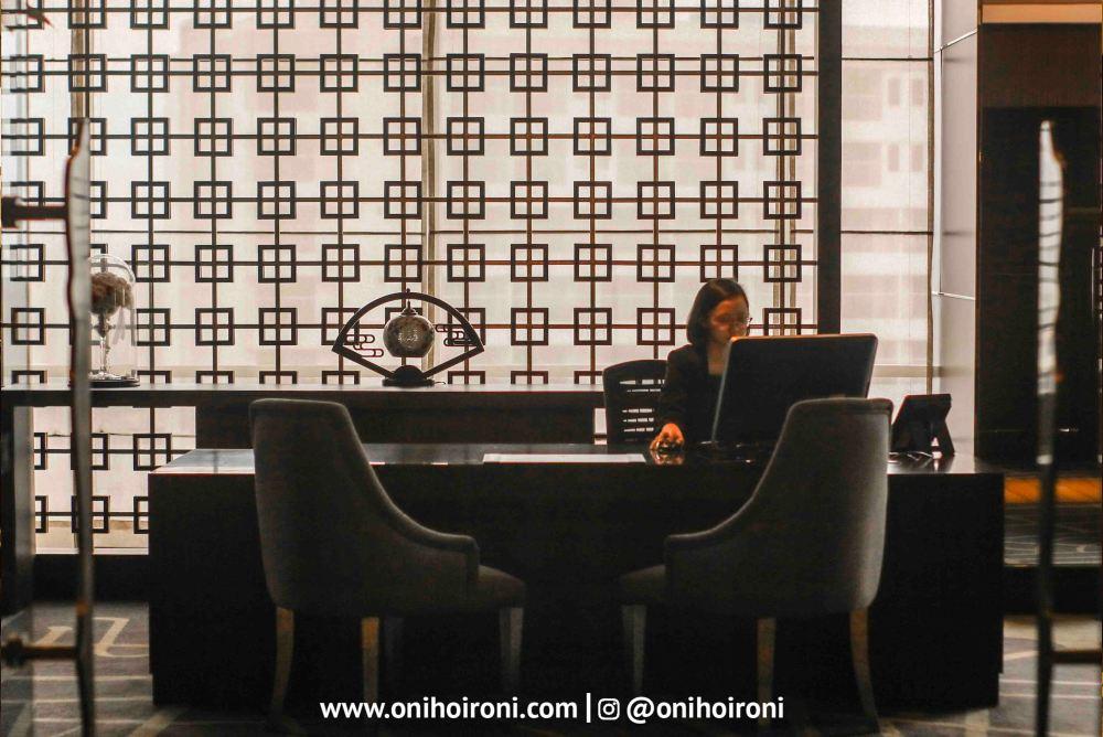 5 Executive Lounge Crowne Plaza Bandung Oni Hoironi
