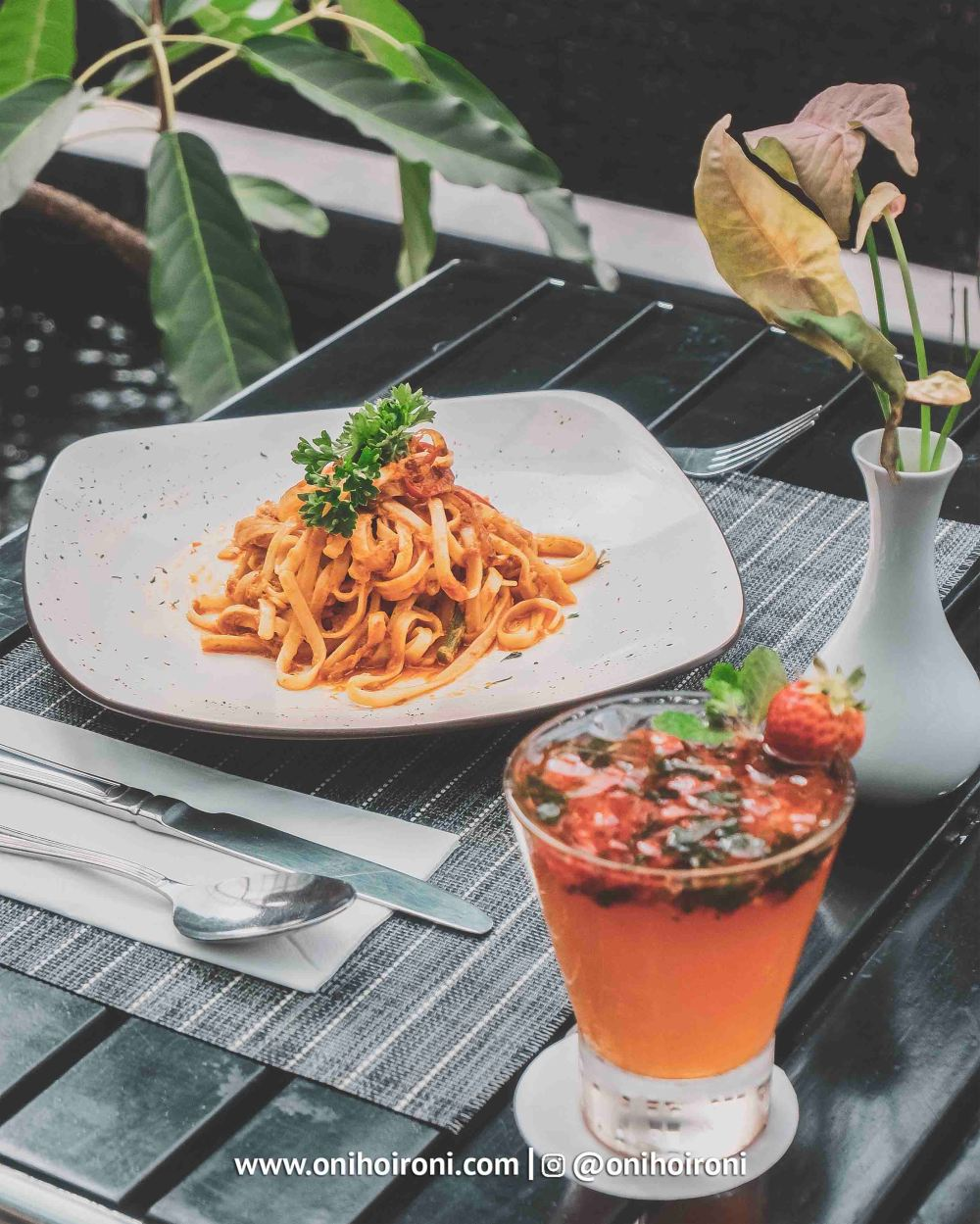 5 Food Holiday Inn Bandung Pasteur Oni hoironi