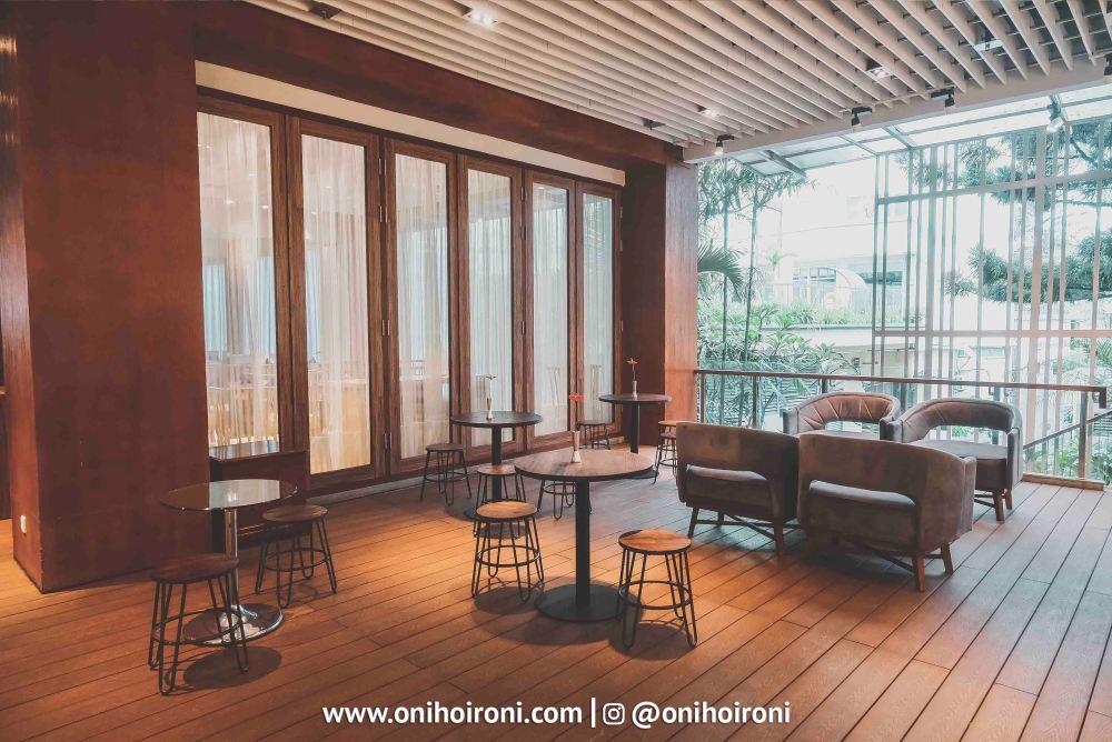 5 Momo cafe Courtyard Bandung