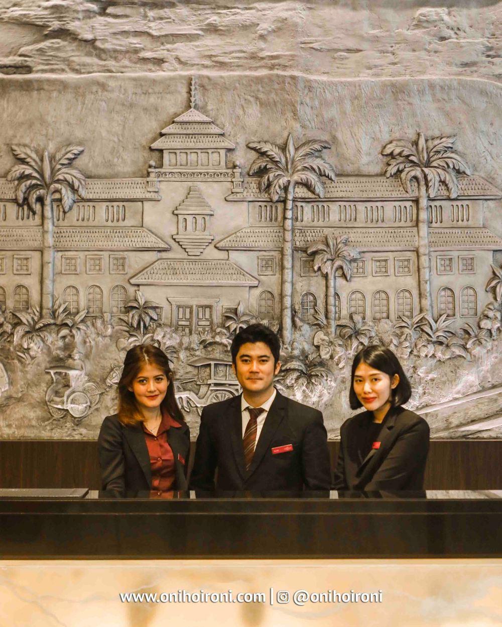 6 Lobby Crowne Plaza Bandung Oni Hoironi