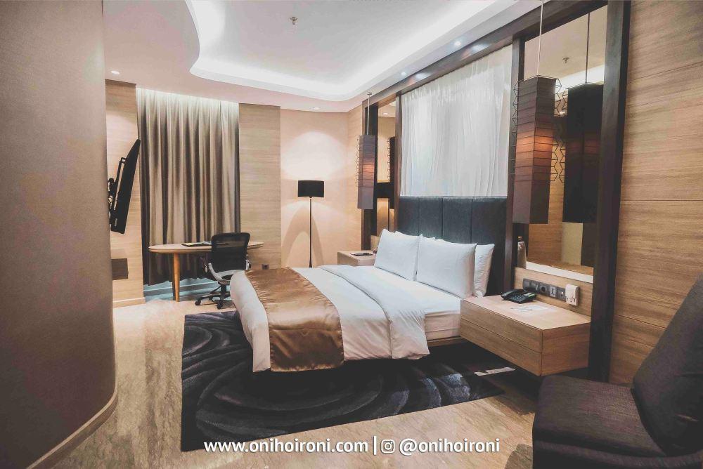6 Room Holiday Inn Bandung Pasteur Oni Hoironi