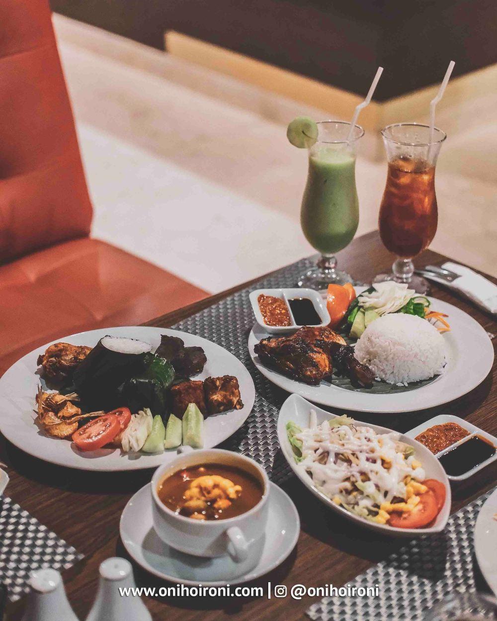 8 Food M One Hotel Sentul Bogor, Onihoironi