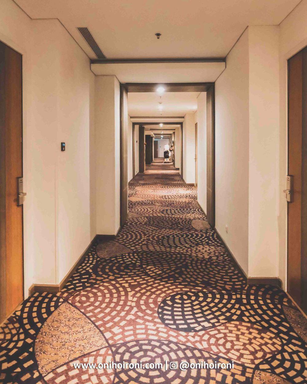 Room Holiday Inn Bandung Pasteur Oni Hoironi.jpg
