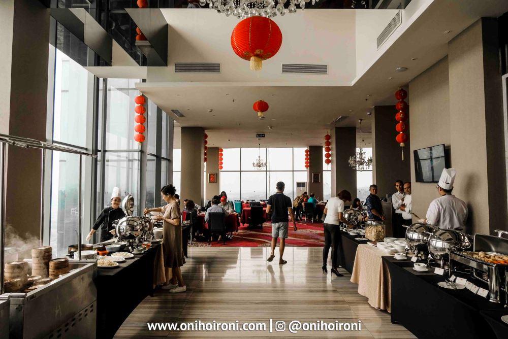 1 Tian Jing Lou Intercontinental Bandung Oni Hoironi