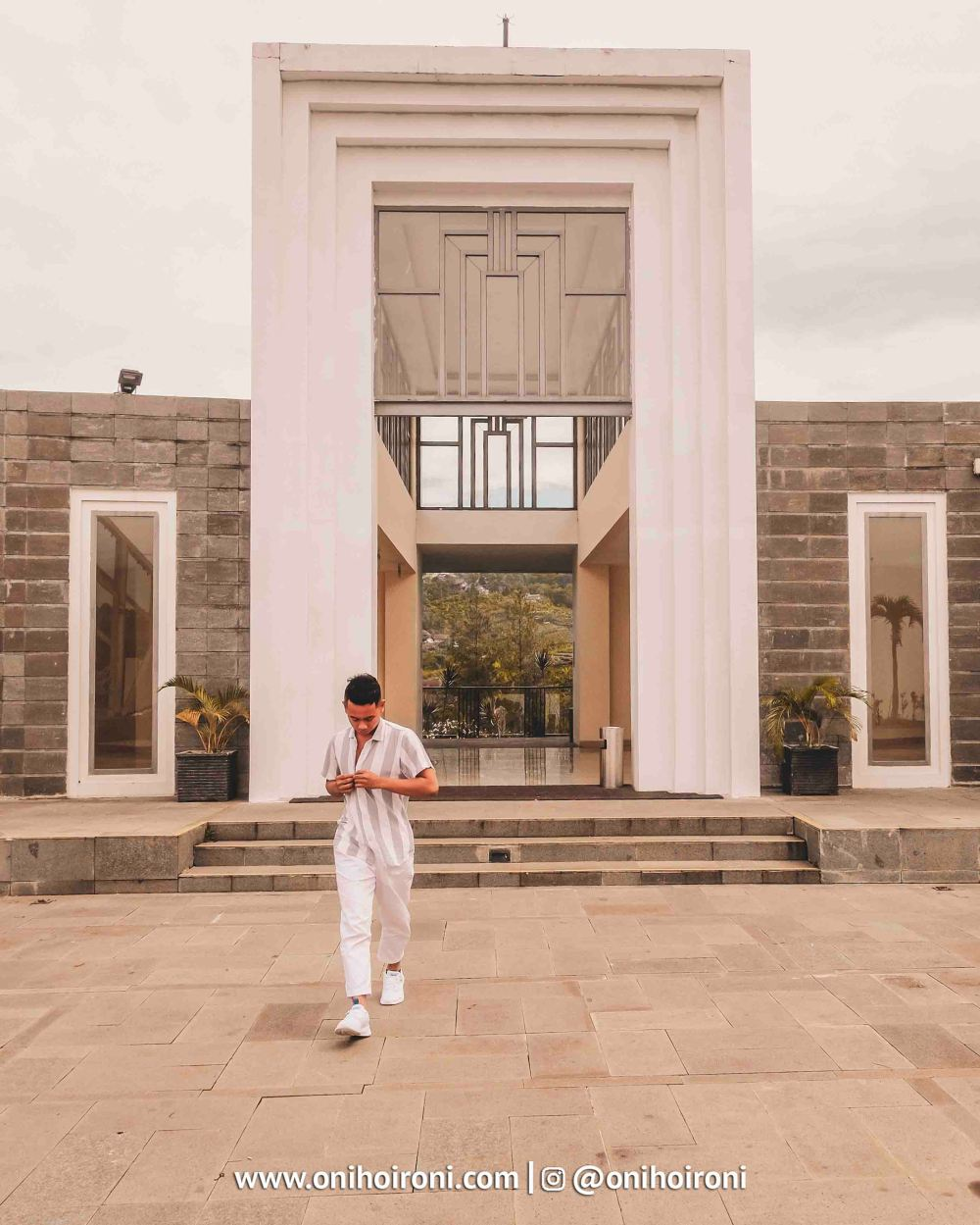 1 Wedding Cheaple Intercontinental Bandung Oni Hoironi