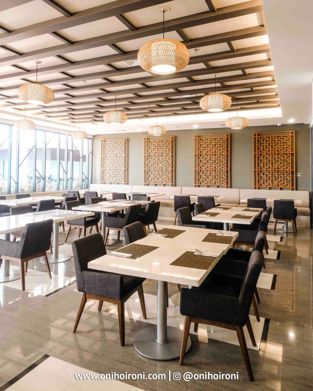 2 D'Lotus Resto Restaurant Harper Hotel Palembang