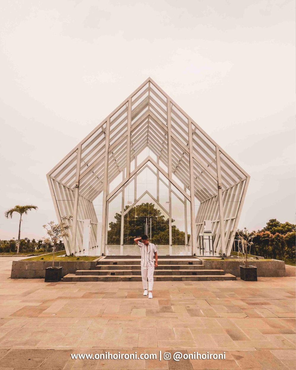 2 Wedding Cheaple Intercontinental Bandung Oni Hoironi