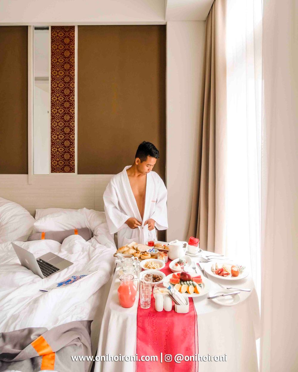 3 Breakfast In Bed Harper Hotel Palembang