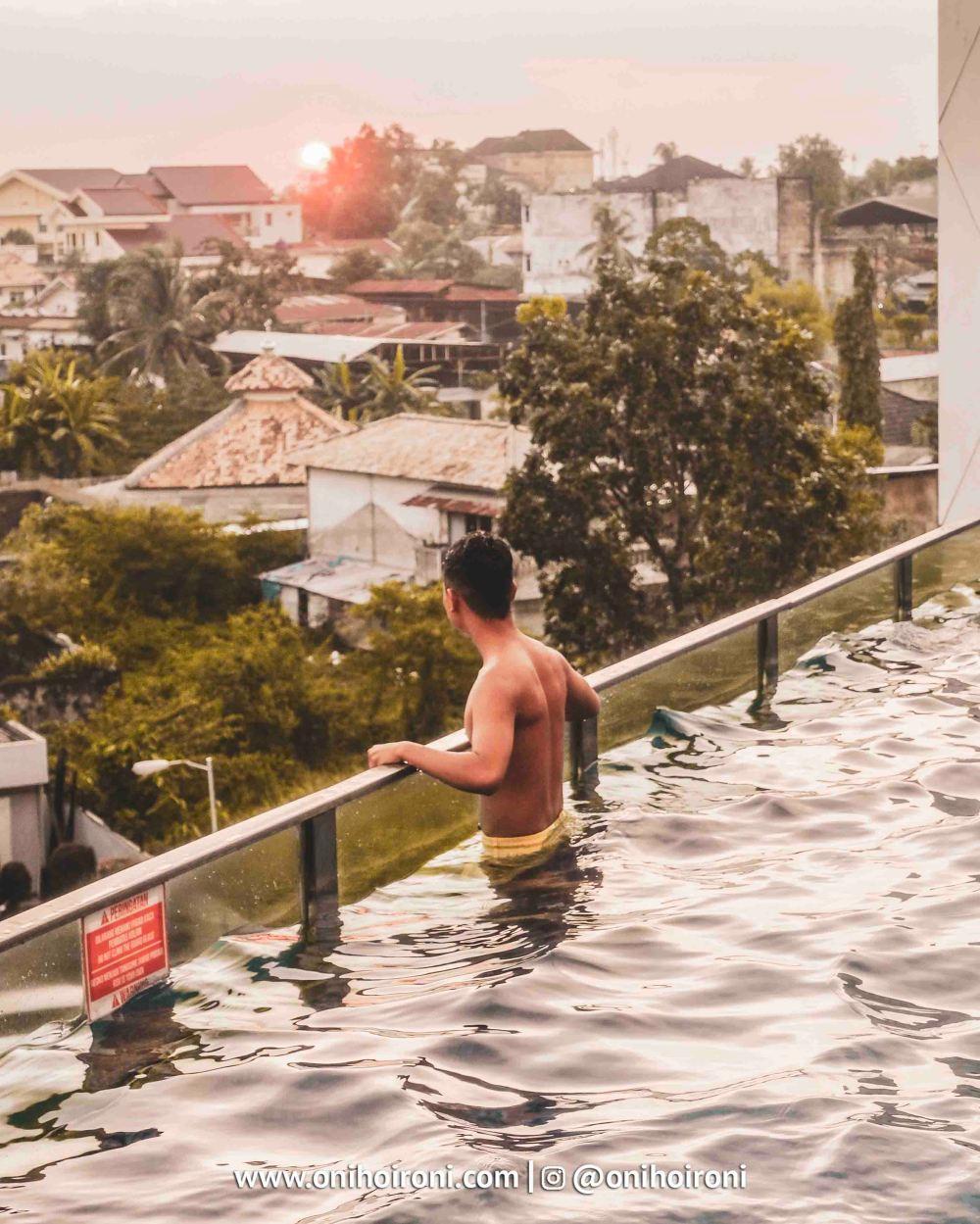5 Swimming Pool Aston Palembang Oni Hoironi