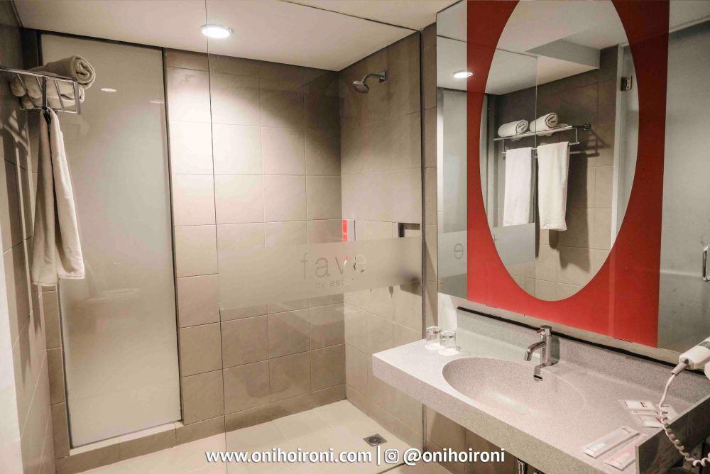 6 Room Fave Hotel palembang Oni Hoironi