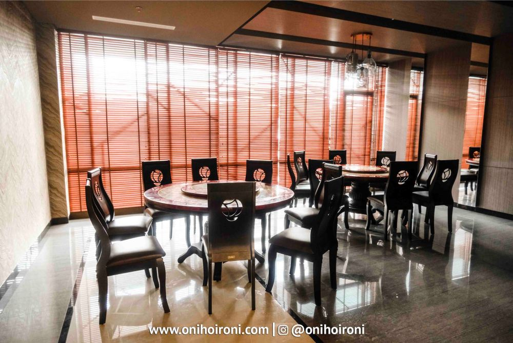 D'Emperor Resto Restaurant Harper Hotel Palembang
