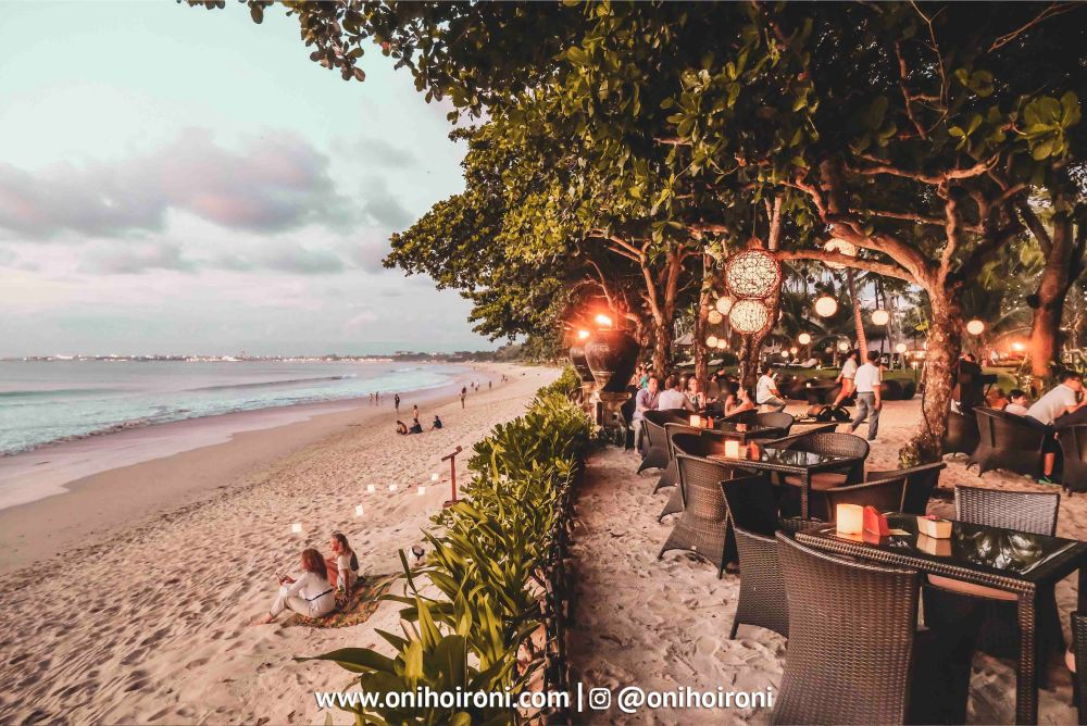 1 Sunset beach bar and grill intercontinental bali resort oni hoironi restaurant di jimbaran