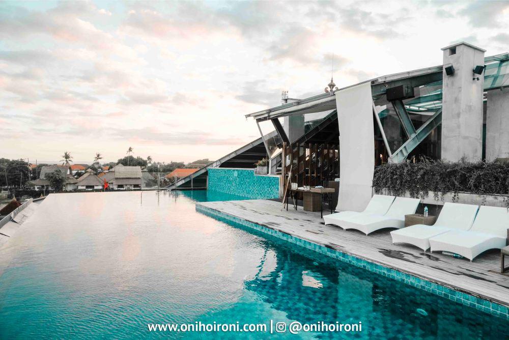 1 Swimming Pool Artotel Sanur bali oni hoironi