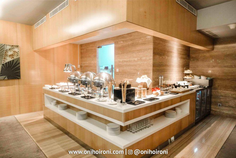 11 Executive Lounge Holiday Inn Kemayoran Jakarta Oni hoironi