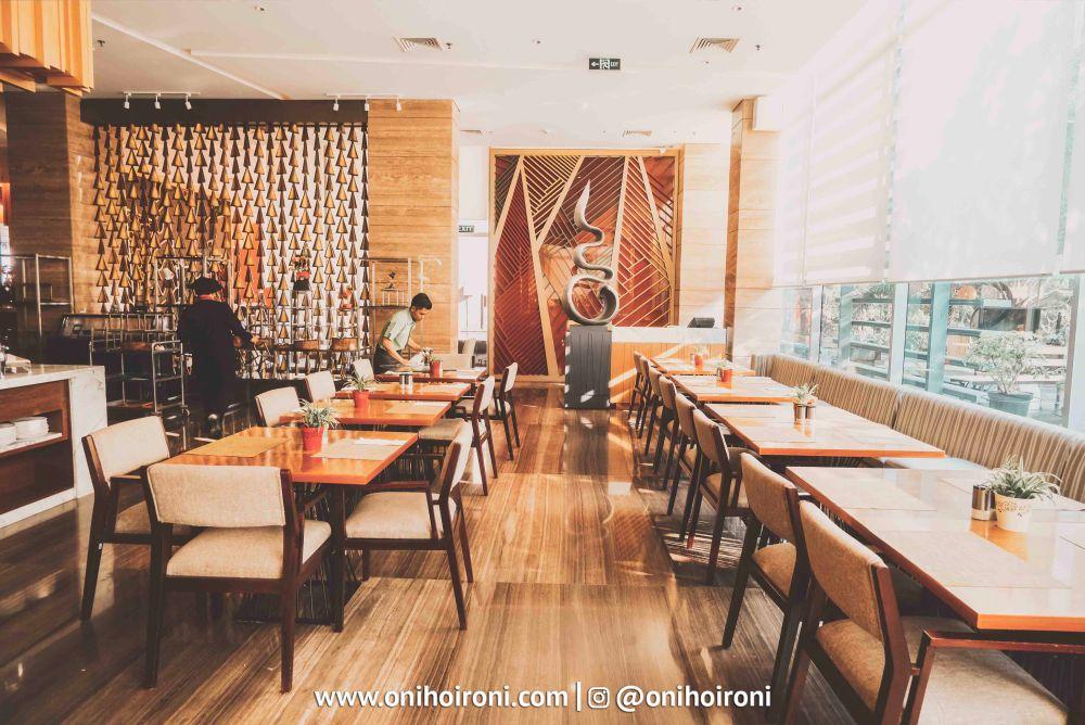 2 Botany Restaurant Holiday Inn Kemayoran Jakarta Oni hoironi
