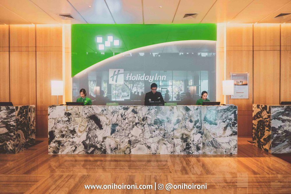 2 Lobby Holiday Inn Kemayoran Oni Hoironi