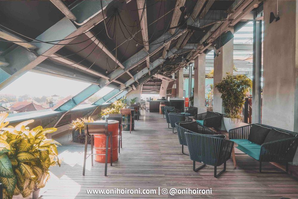 3 BART rooftop bar in sanur Artotel Sanur bali oni hoironi