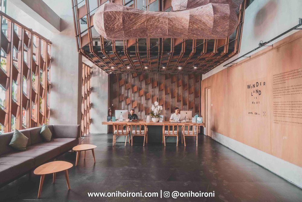 3 Lobby Artotel Sanur, Bali Oni Hoironi