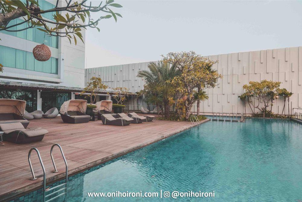 5 Swimming Pool Holiday Inn Jakarta Kemayoran