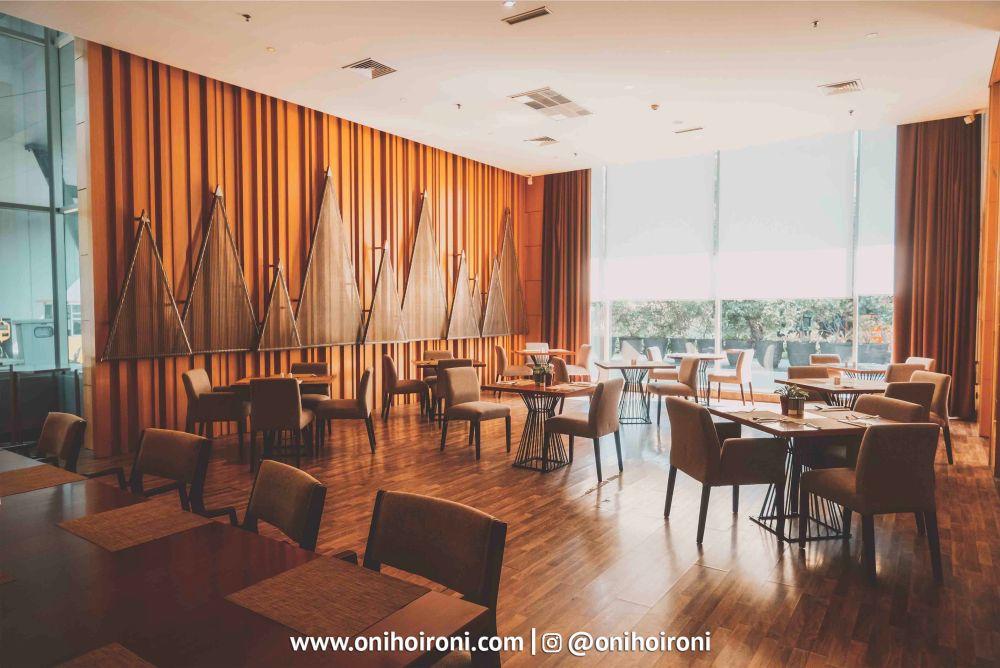 6 Botany Restaurant Holiday Inn Kemayoran Jakarta Oni hoironi