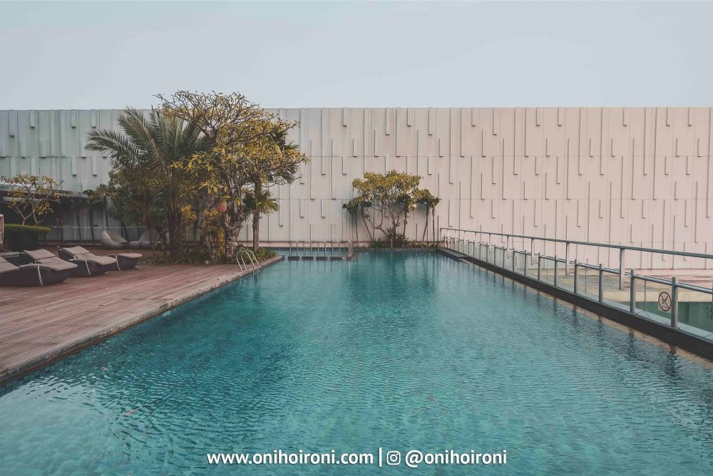6 Swimming Pool Holiday Inn Jakarta Kemayoran